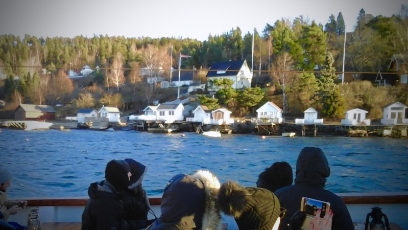 Photo: Swimming cabins, visible on the right, on the shores of the Oslofjord.